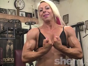 Female Bodybuilder Nathalie..