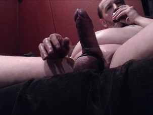 Mature dad love's to jerk off..