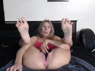 Blonde mature soles & pussy