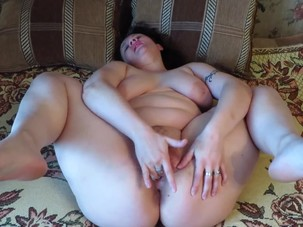 Naked milf shows his holes and..