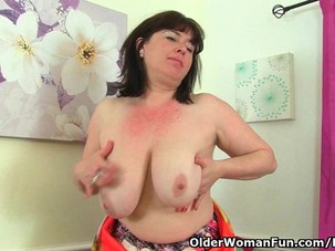British milf Janey fucks her..