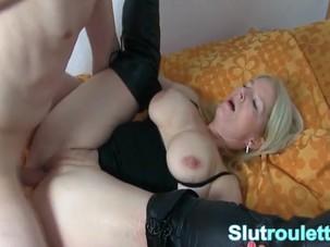 Cuckold German wife creampie