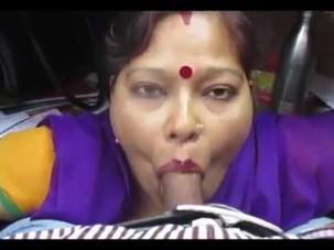 desi aunty giving blowjob and..