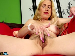 Hairy mature masturbating on..